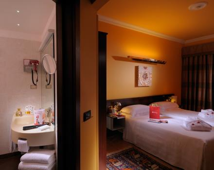 Hospitality and comfort in woman rooms at BW PLUS City Hotel, 4 stars in the centre of Genoa