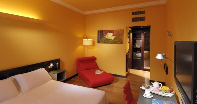 Choose the convenience, book your room at Genoa center at BW PLUS City Hotel