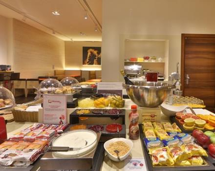 Buffet Breakfast Hotel City 4 stelle genova